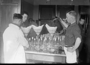 ARMY, U.S. ARMY MEDICAL SCHOOL; TYPHOID VACCINE Creator(s): Harris & Ewing, photographer Date Created/Published: 1917, LC-DIG-hec-09988, Library of Congress Prints and Photographs Division