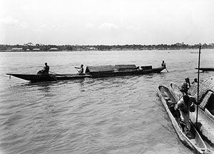 pirogues_canoes_1948